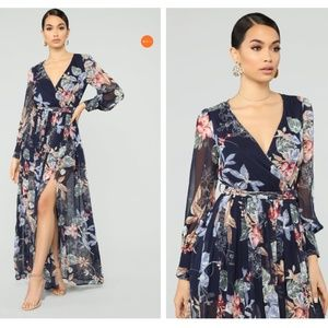 NEW - The Moment I Knew Maxi Dress - Navy Floral